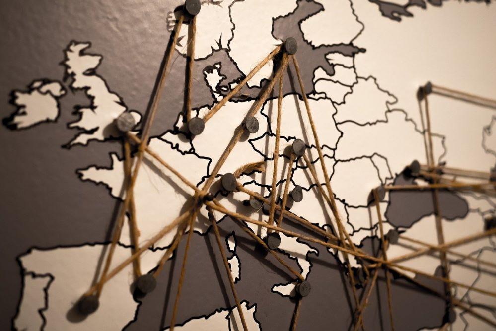 """La economía europea comienza a """"salir de las sombras"""""""