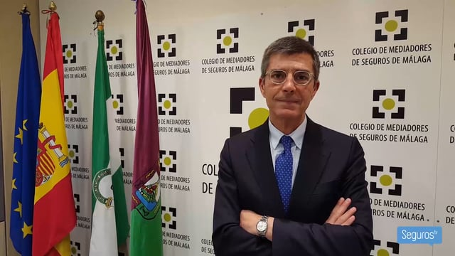 Arag renueva su acuerdo de colaboración con el Colegio de Málaga