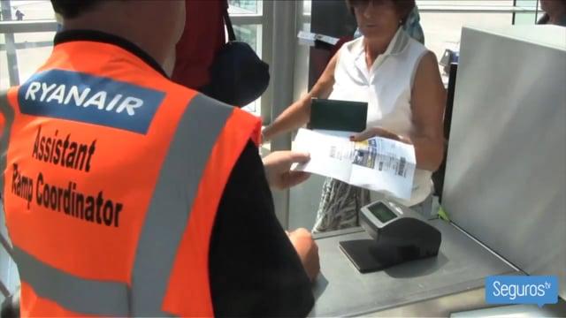 ¿Qué pueden hacer los viajeros si cancelan su vuelo por una huelga?