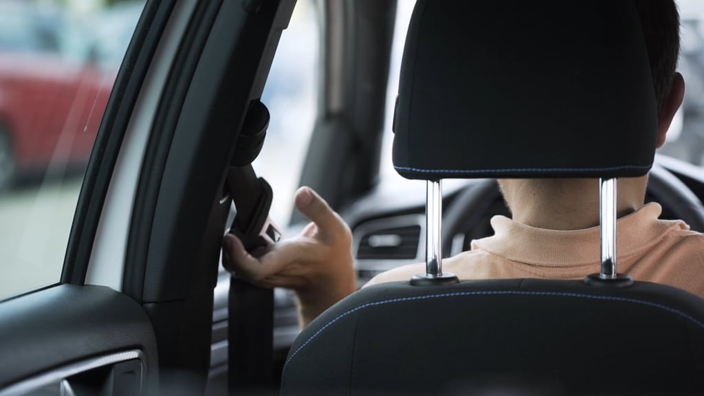 Si vas a viajar en coche este verano, presta atención al cinturón de seguridad