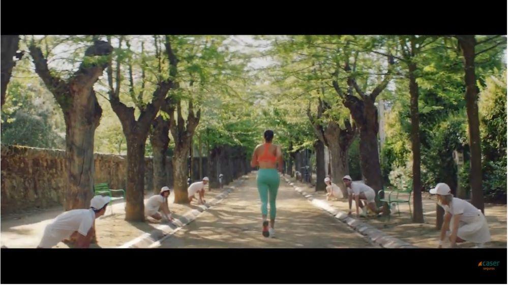 Garbiñe Muguruza protagoniza la nueva campaña de Caser