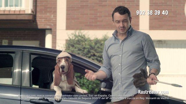 """Spot de la última campaña de publicidad de Rastreator, """"Expertos en ahorro"""""""