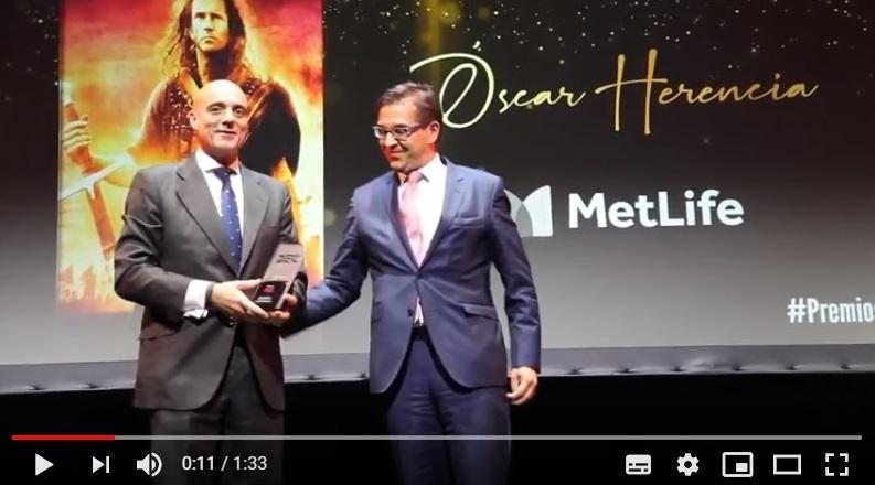 Óscar Herencia (MetLife), Directivo del Año en Experiencia de Cliente